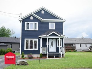 10680684 - Maison à étages à vendre