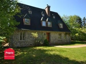 13612208 - Maison à étages à vendre