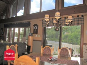 11086011 - Maison à étages à vendre