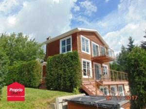 24246194 - Maison à étages à vendre