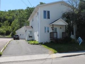 18673981 - Maison à étages à vendre