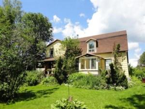 24396267 - Maison à étages à vendre
