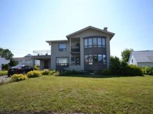 25913323 - Maison à étages à vendre