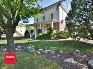 22010549 - Maison à étages à vendre