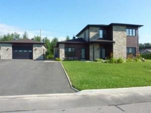9135464 - Maison à étages à vendre