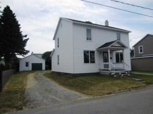 19700706 - Maison à étages à vendre