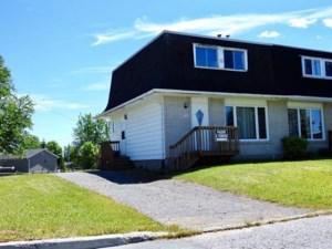 20531142 - Cottage-jumelé à vendre