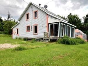 17687623 - Maison à étages à vendre