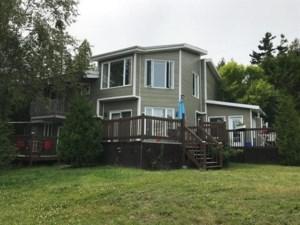 23396403 - Maison à étages à vendre