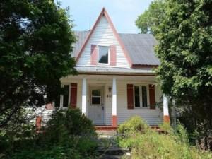 20526876 - Maison à étages à vendre