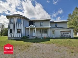 28532152 - Maison à étages à vendre