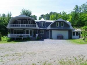 24201448 - Maison à étages à vendre