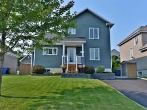27929232 - Maison à étages à vendre