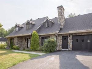 28653202 - Maison à étages à vendre