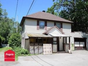 28411498 - Maison à étages à vendre