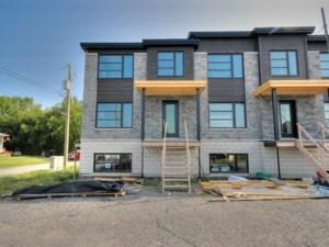 12674436 - Maison à étages à vendre