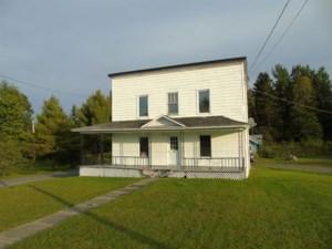 10007749 - Maison à étages à vendre