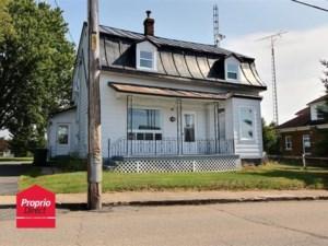 10231747 - Maison à étages à vendre
