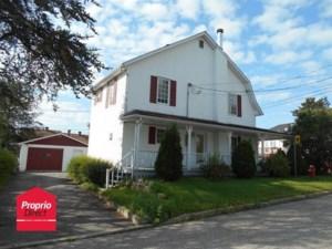 28572494 - Maison à étages à vendre
