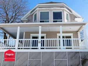 28573092 - Maison à étages à vendre