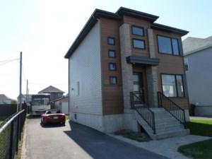 22750964 - Maison à étages à vendre
