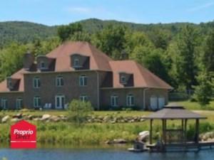 18441664 - Maison à étages à vendre
