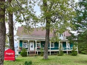 22792245 - Maison à étages à vendre