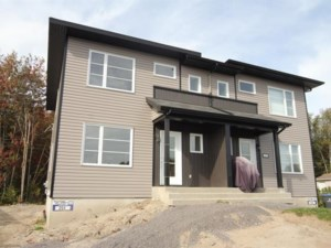 10723504 - Cottage-jumelé à vendre