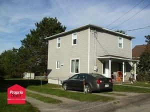 28913656 - Maison à étages à vendre
