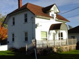 27799922 - Maison à étages à vendre