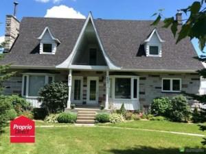 18301392 - Maison à étages à vendre