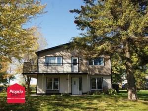 25521102 - Maison à étages à vendre