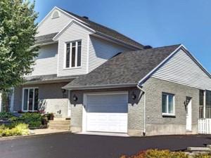 26046881 - Maison à étages à vendre