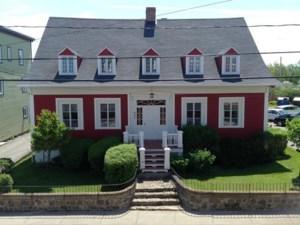 20453898 - Maison à étages à vendre