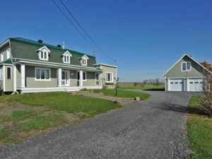 12090846 - Maison à étages à vendre
