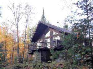 25681789 - Maison à étages à vendre