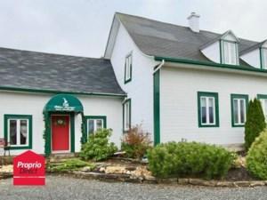 24692000 - Maison à étages à vendre