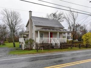 23395104 - Maison à étages à vendre