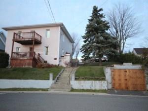 22118728 - Maison à étages à vendre