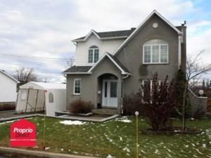 25184781 - Maison à étages à vendre