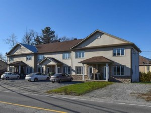 18448696 - Maison à étages à vendre