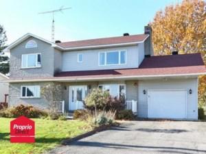 28913299 - Maison à étages à vendre