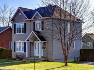 9540827 - Maison à étages à vendre