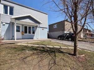 9493227 - Maison à étages à vendre