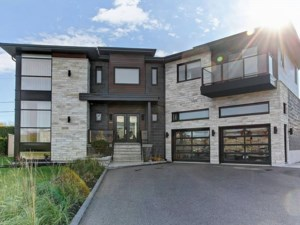 14889227 - Maison à étages à vendre