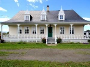 26384992 - Maison à étages à vendre