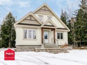 23595178 - Maison à étages à vendre
