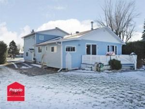 23780504 - Maison à étages à vendre