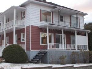 28541038 - Maison à étages à vendre