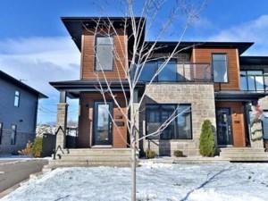 23710009 - Maison à étages à vendre